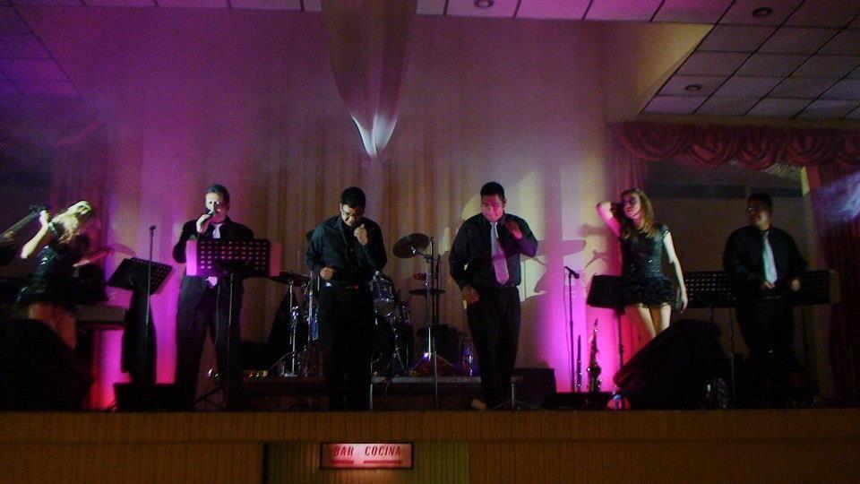 "Grupo Musical ""Gran Show"""