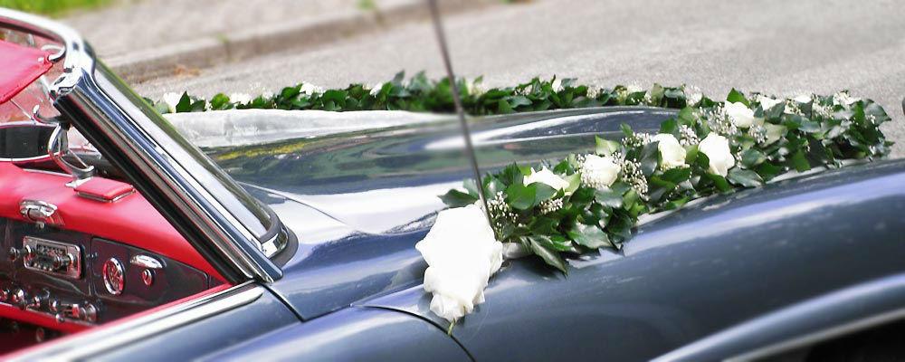 Beispiel: Autodekoration, Foto: Blumen Naturelle.