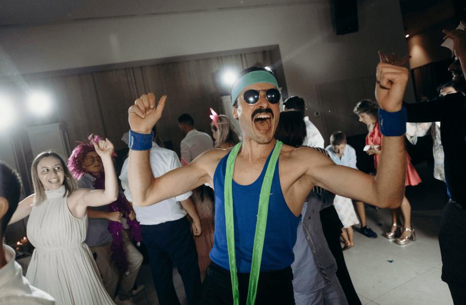 Zé Laustibia   Party Entertainer
