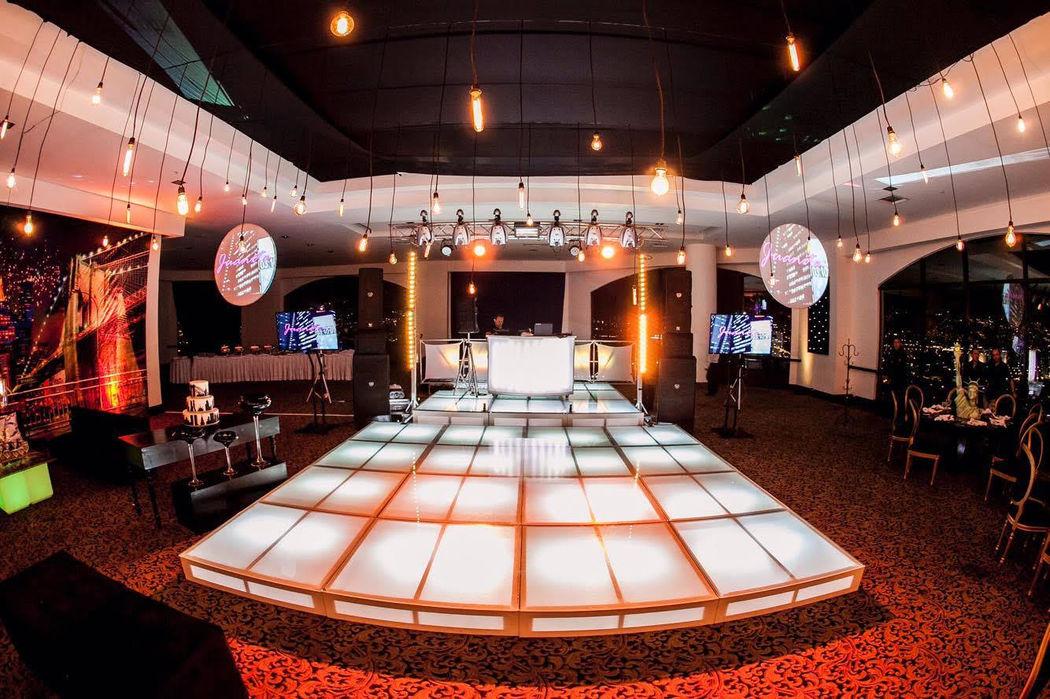 White Production / Un Toque blanco para hacer mucho màs acorde el montaje a una memorable celebraciòn de bodas
