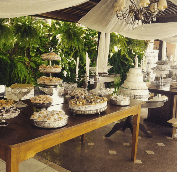 Buffet Colonial Victória