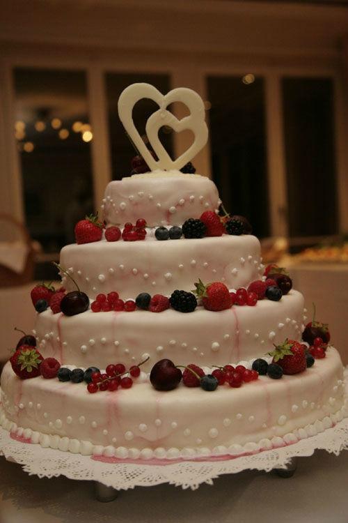 Beispiel: Hochzeitstorte, Foto: Halbinsel Au.