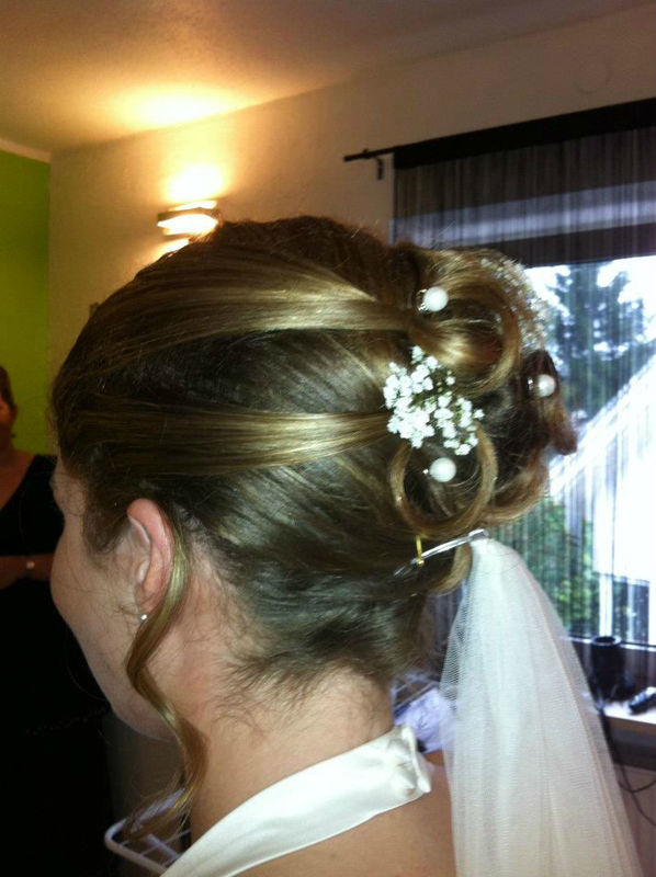 Beispiel: Hochzeits-Haarstyling, Foto: Styling Station 318.