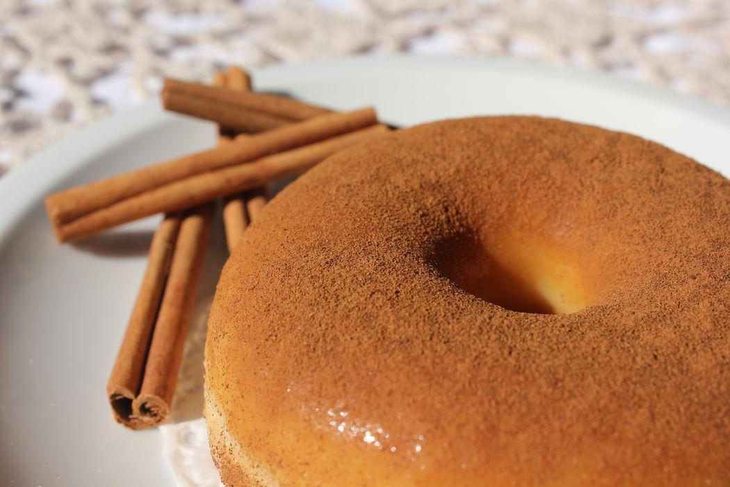 Donut com cobertura decanela