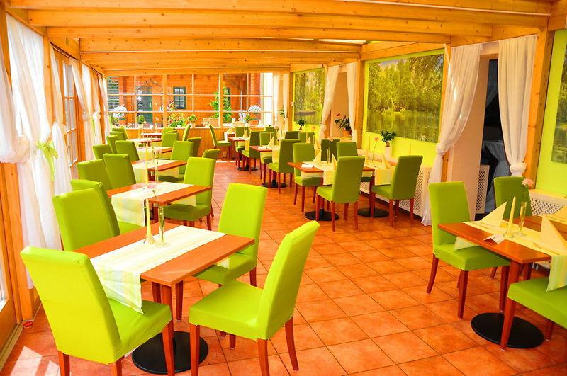 Beispiel: Innenraum - Wintergarten, Foto: Seehotel im Spreewald.