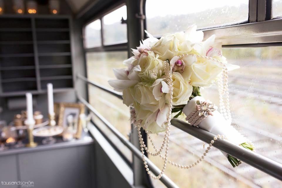 Beispiel: Hochzeitsfloristik / Brautstrauss,  Foto: shopandmarry.