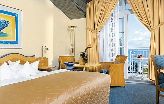 Beispiel: Suite, Foto: Travel Charme Kurhaus Sellin.