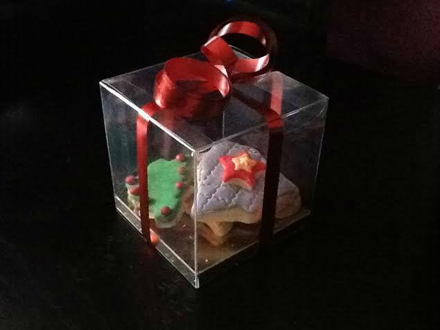 Pack de bolachas de natal decoradas.