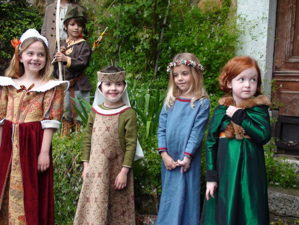 Découvrez notre galerie de costumes pour filles et garçons de 4 à 12 ans  www.7etunelieues.com