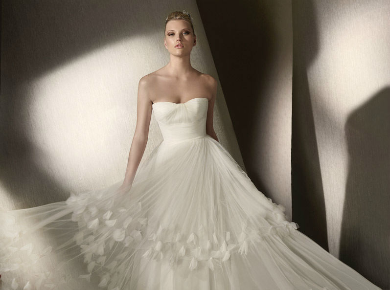Beispiel: Wunderschöne Brautkleider, Foto: K. For Bride.