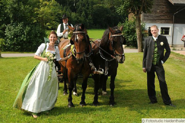 Beispiel: Individuelle Hochzeitsfotos, Foto: Fotostudio Haidenthaler.