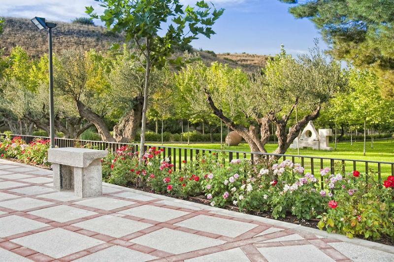 Jardines de Los Pilones del Valle
