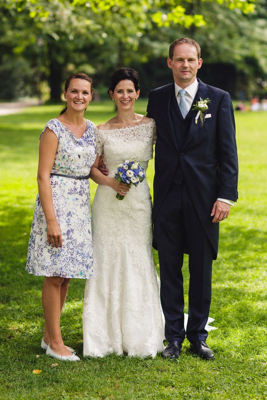 Glückliches Brautpaar und ich.