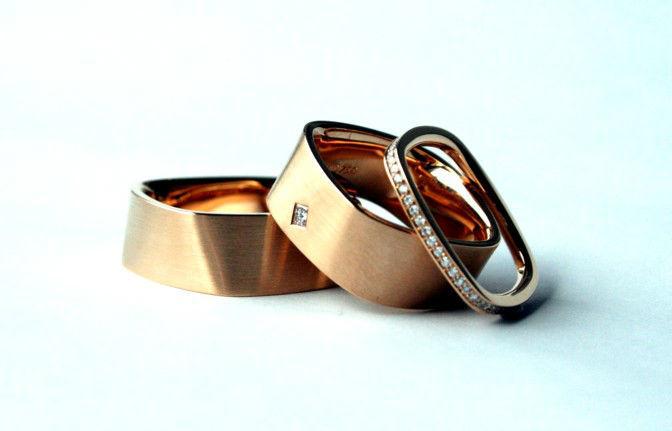 Beispiel: Eheringe, Foto: Juwelier Theobald.
