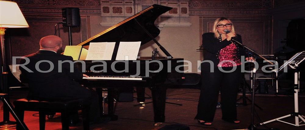 Intrattenimenti musicali per eventi e ricevimenti di matrimonio Romadjpianobar info@romadjpianobar.com http://www.romadjpianobar.com Pianoforte e Voce