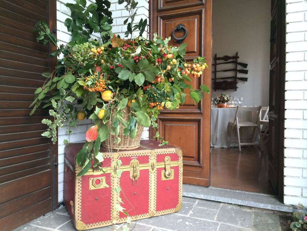 Fiordifragola - cesto fiori e bacche rustico