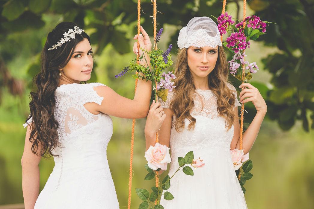 Coleção Botânica: * Tiara Petúnia e Touca Camélia TULLE Noivas Foto: Photoframe Fotografia