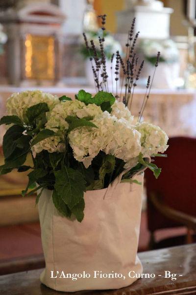L'angolo fiorito - Allestimento con piante #Fiorista #matrimonio #Bergamo