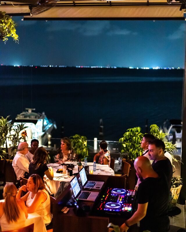 La Buena Barra Cancún