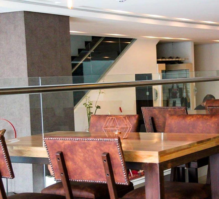 Dix Hotel