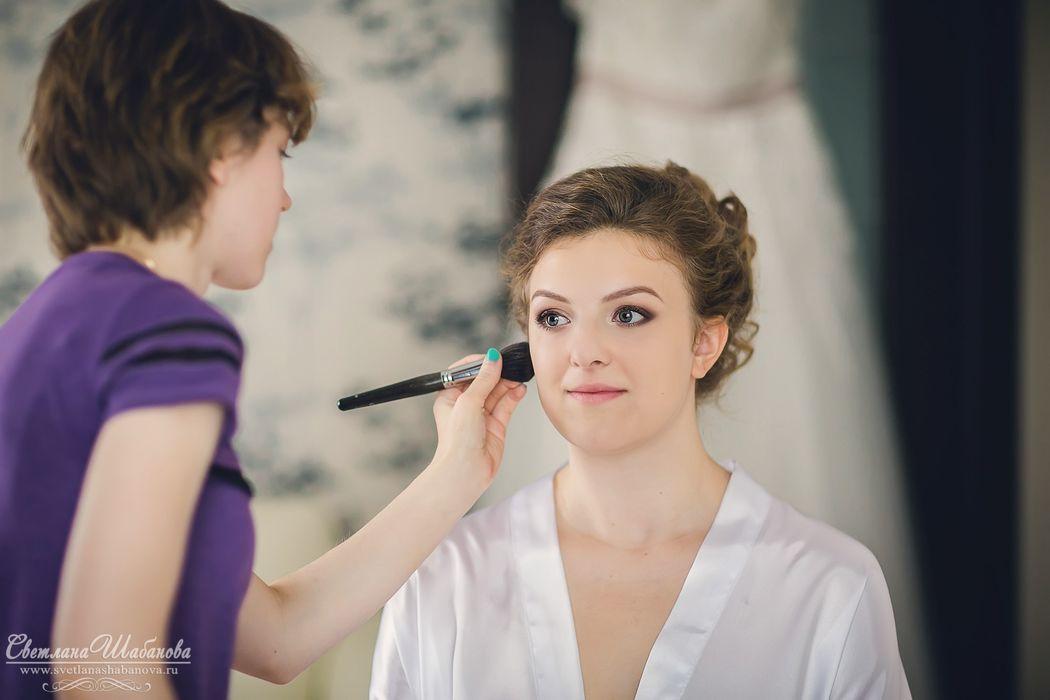 очаровательная Настенька причёска и макияж - Нелли Шварц фотограф - Светлана Шабанова