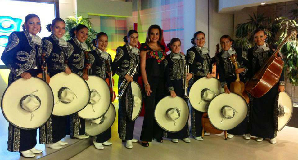 Mujer Latina Mariachi Femenil, música en vivo para tu boda en Guadalajara