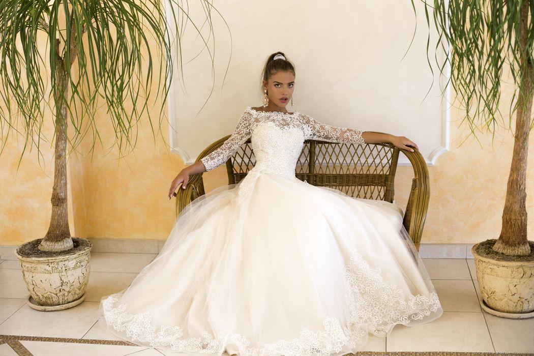 Abito da sposa modello Lucie, collezione Romantica
