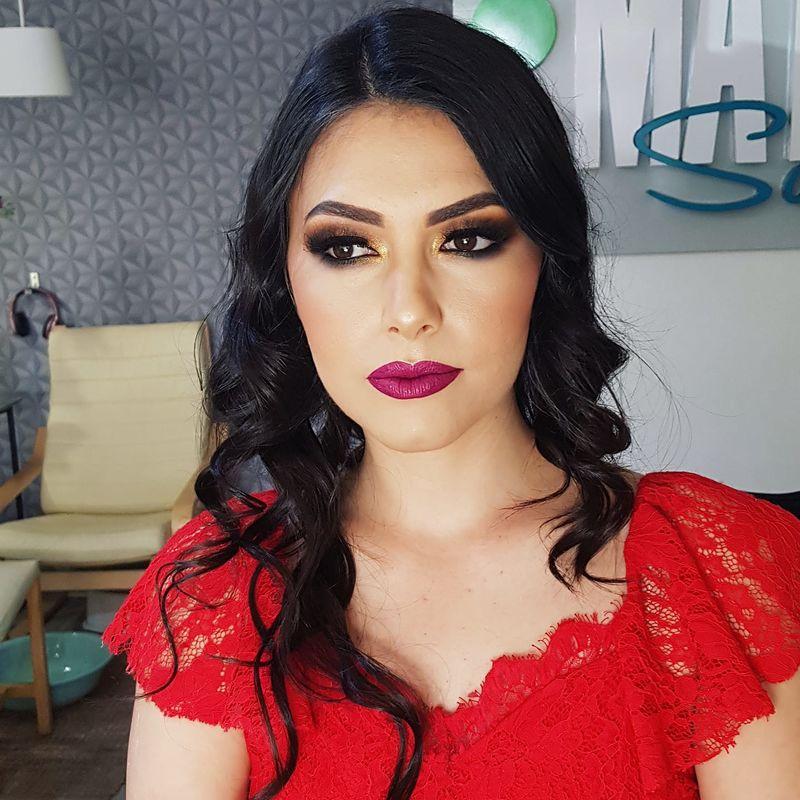 Paula Consve Makeup
