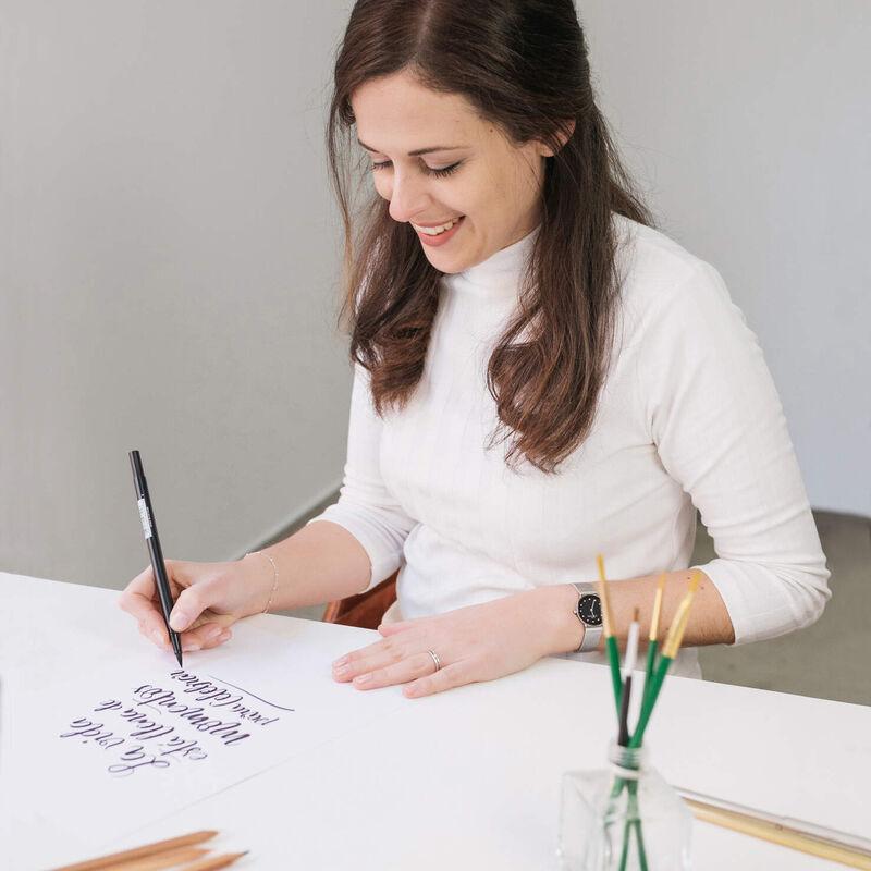 BE ALIVE     Art Studio