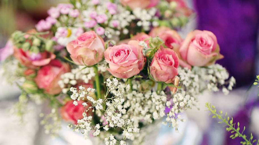 Beispiel: Rosen-Bouquet mit Schleierkraut, Foto: Blumen Isabella.