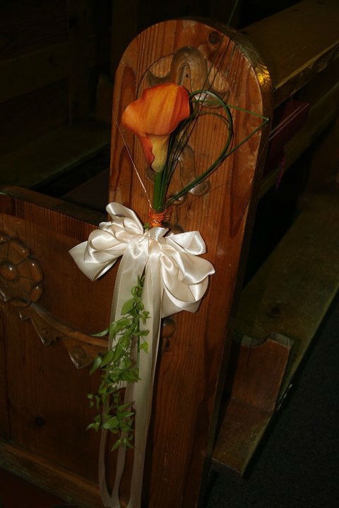Beispiel: Floraler Kirchenschmuck, Foto: Garten Kochauf .