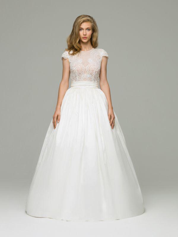 Свадебное платье А-силуэта с кружевным верхом и с фактурной юбкой из тафты от Helen Miller