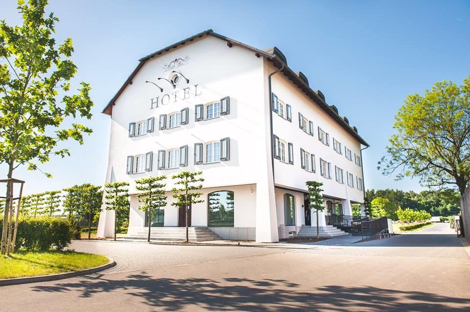 Pałac Mała Wieś - Restauracja & Hotel
