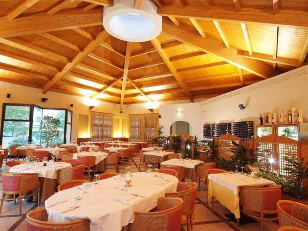 President Hotel & Restaurant
