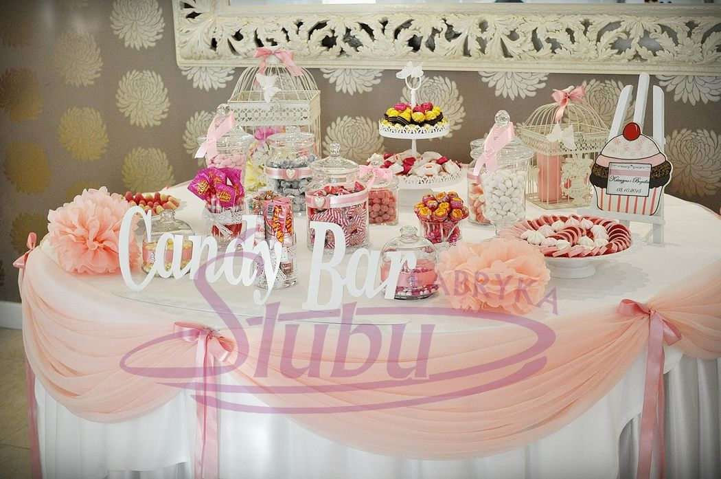 Candy Bar - słodki bufet www.fabrykaslubu.pl