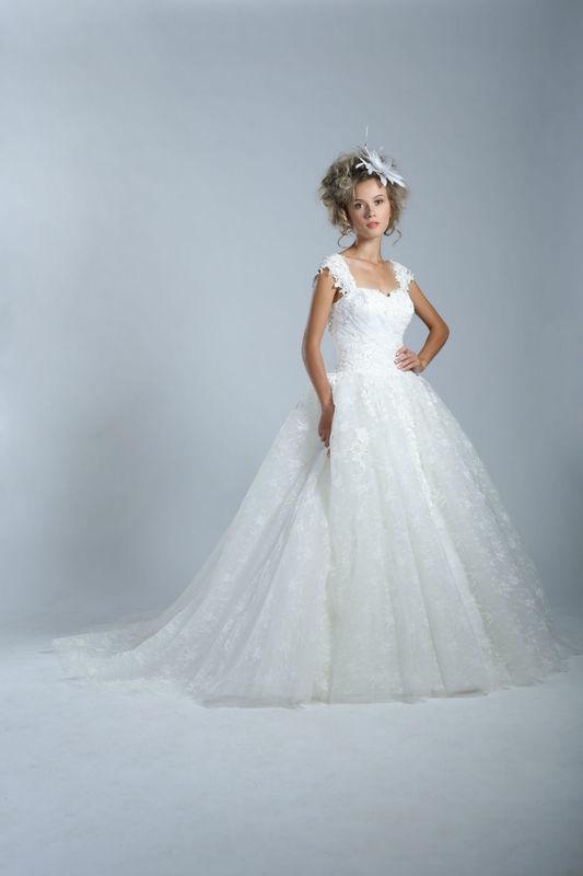 White Dress Modèle Dominica  www.whitedress.lu