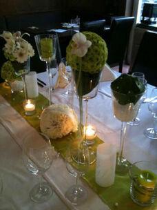 Beispiel: Blumen für das Bankett, Foto: Tina Bergmann Blumenwerkstatt.