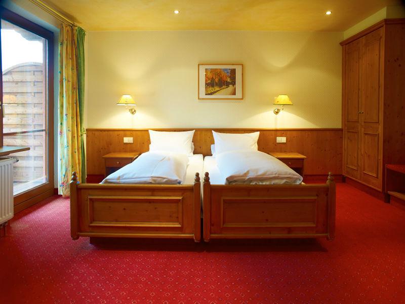 Beispiel: Zimmer, Foto: Parkhotel Krone Maleck.