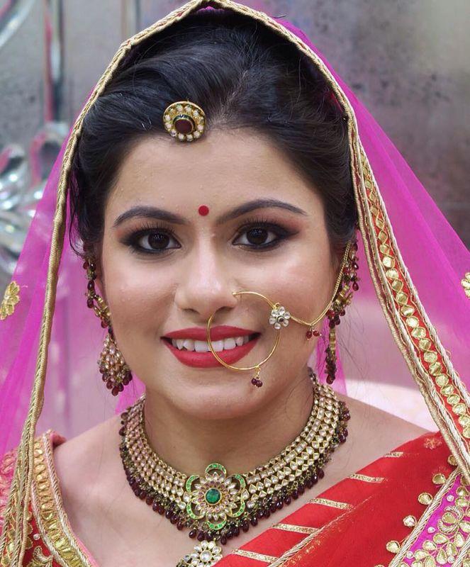 Arneeb Malik- Makeup Artist