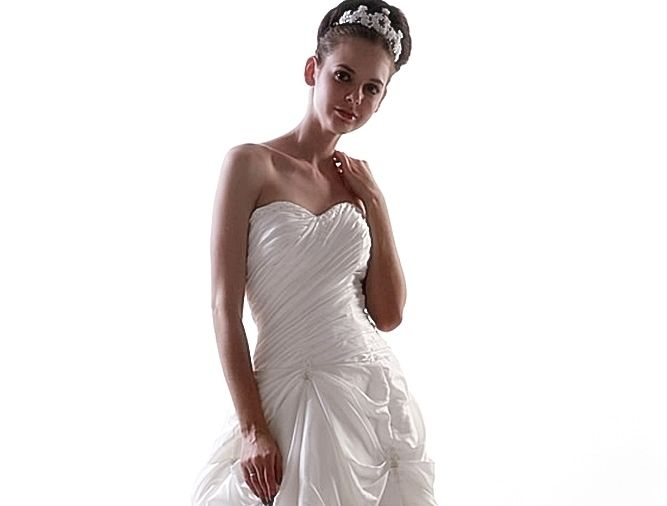 Beispiel: Brautkleid Heaven 14, Foto: Loreley - Dresses for the Moment.