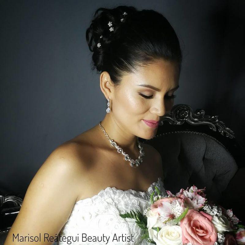 Marisol Reátegui Beauty Artist
