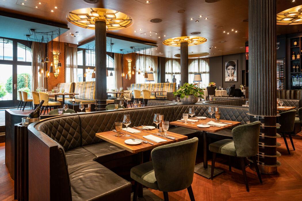 Carlton Restaurant & Bar