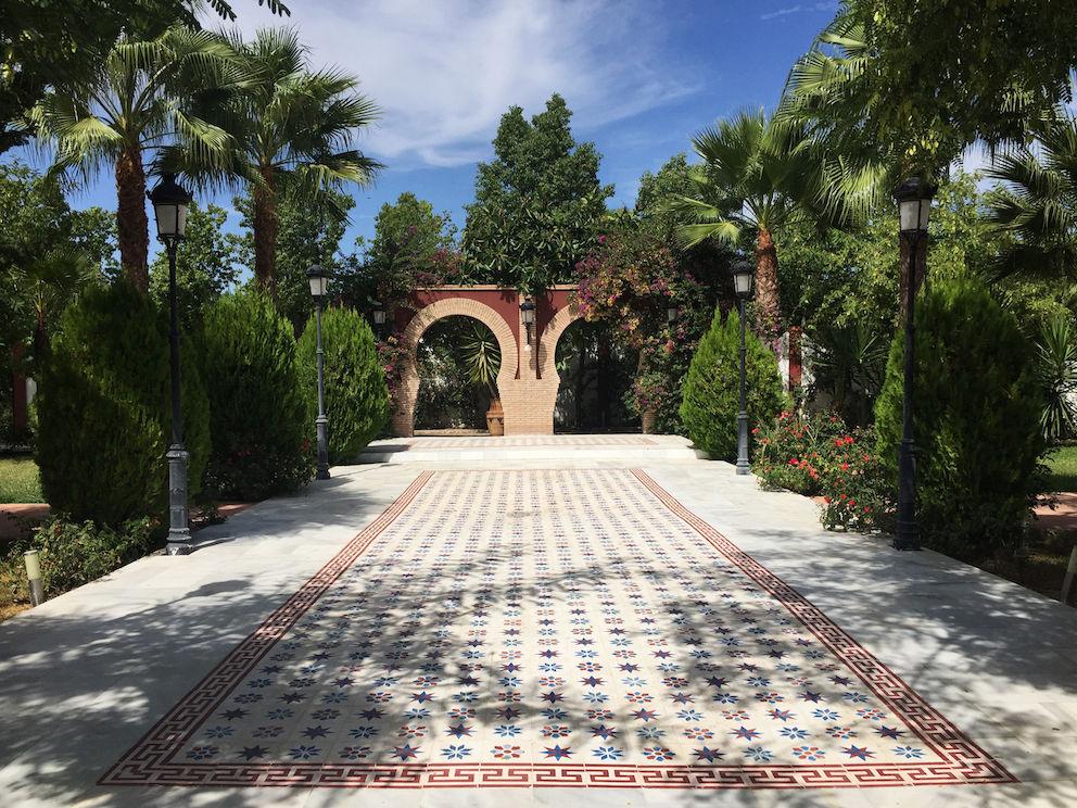 Patio para bodas civiles o coctel. Salón Mozarabe. Hacienda Azahares