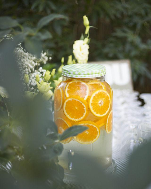 Detalles de boda: puestos de limonadas para la ceremonia. La Luciernaga  Eventos.