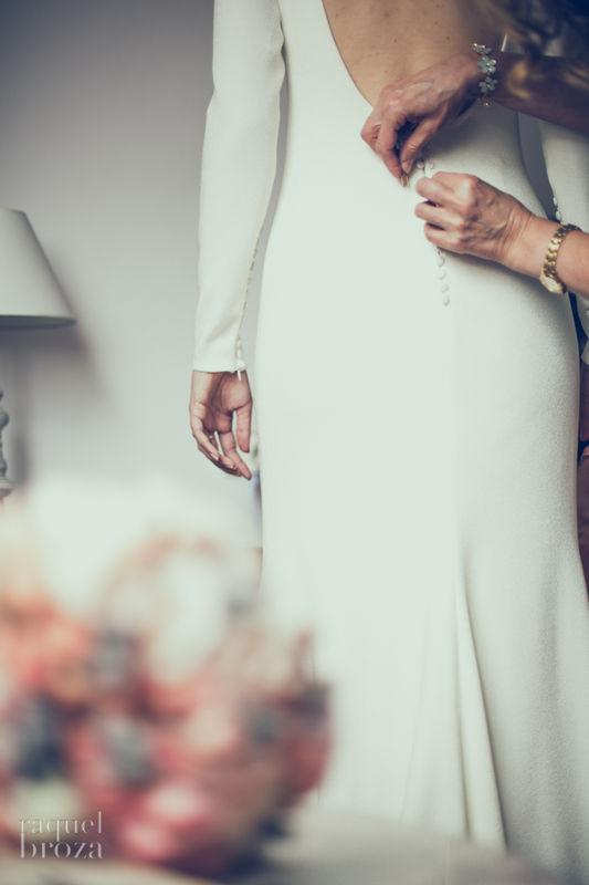 abrochando botones de la novia by raquelbroza
