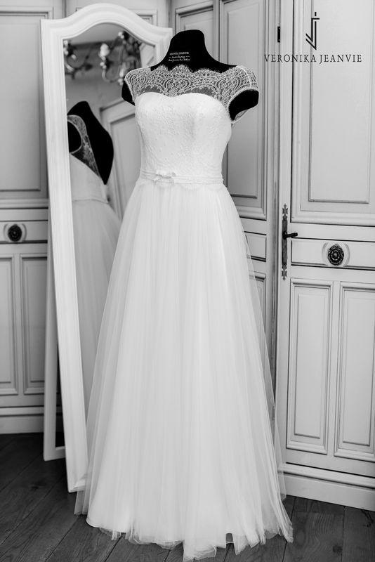 Robe de mariée bohème sur-mesur dentelle de Calais-Caudry | Collection 2017 | Veronika Jeanvie
