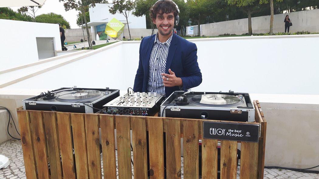 DJ Vinil