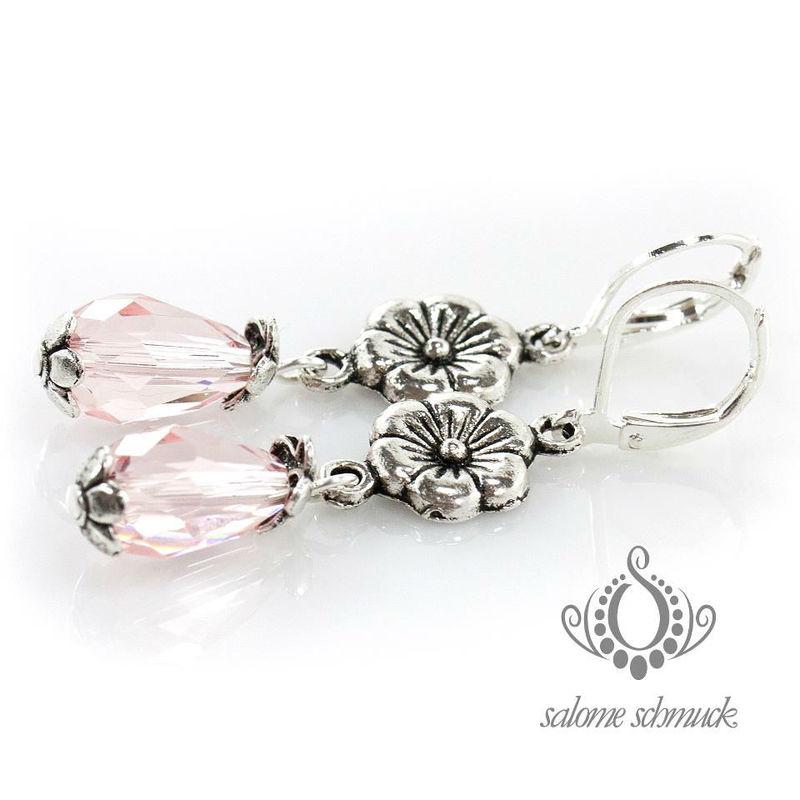Beispiel: Ohrringe als perfektes Accessoire, Foto: Salome Schmuck.