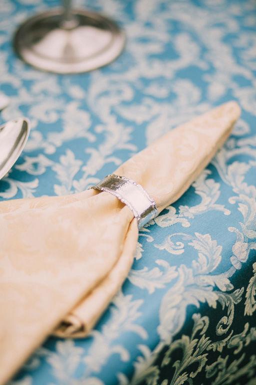 Beispiel: individueller Brauttisch Foto: wedding AGENCY