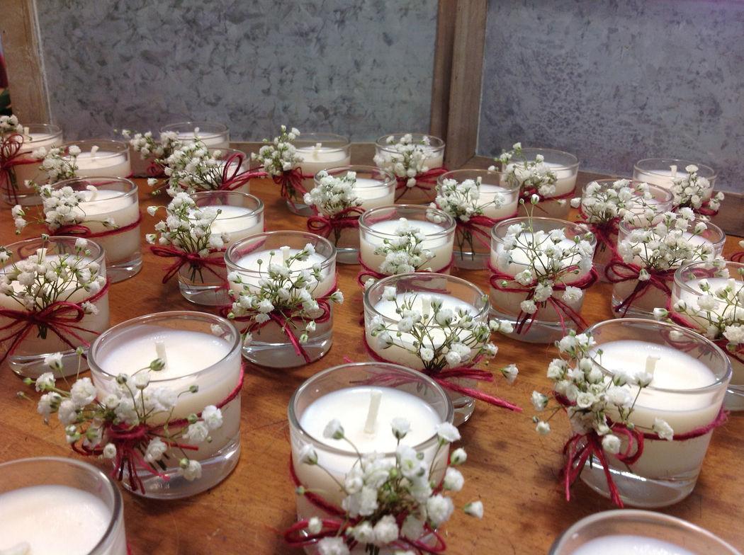 Espelmes amb un toc de nubolosa. Detalls per als convidats.